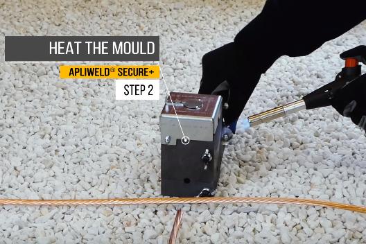 Apliweld Exothermic Welding Operating Procedure Step 2