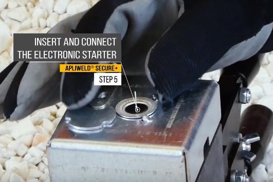 Apliweld Exothermic Welding Operating Procedure Step 5